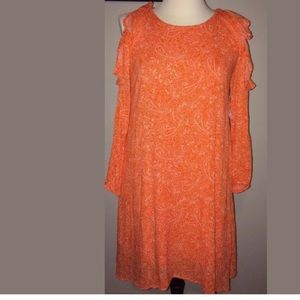 8d6d64fc6917 Old Navy Dresses - NWT OLD NAVY (M) Ruffled Cold-Shoulder Swing Dress
